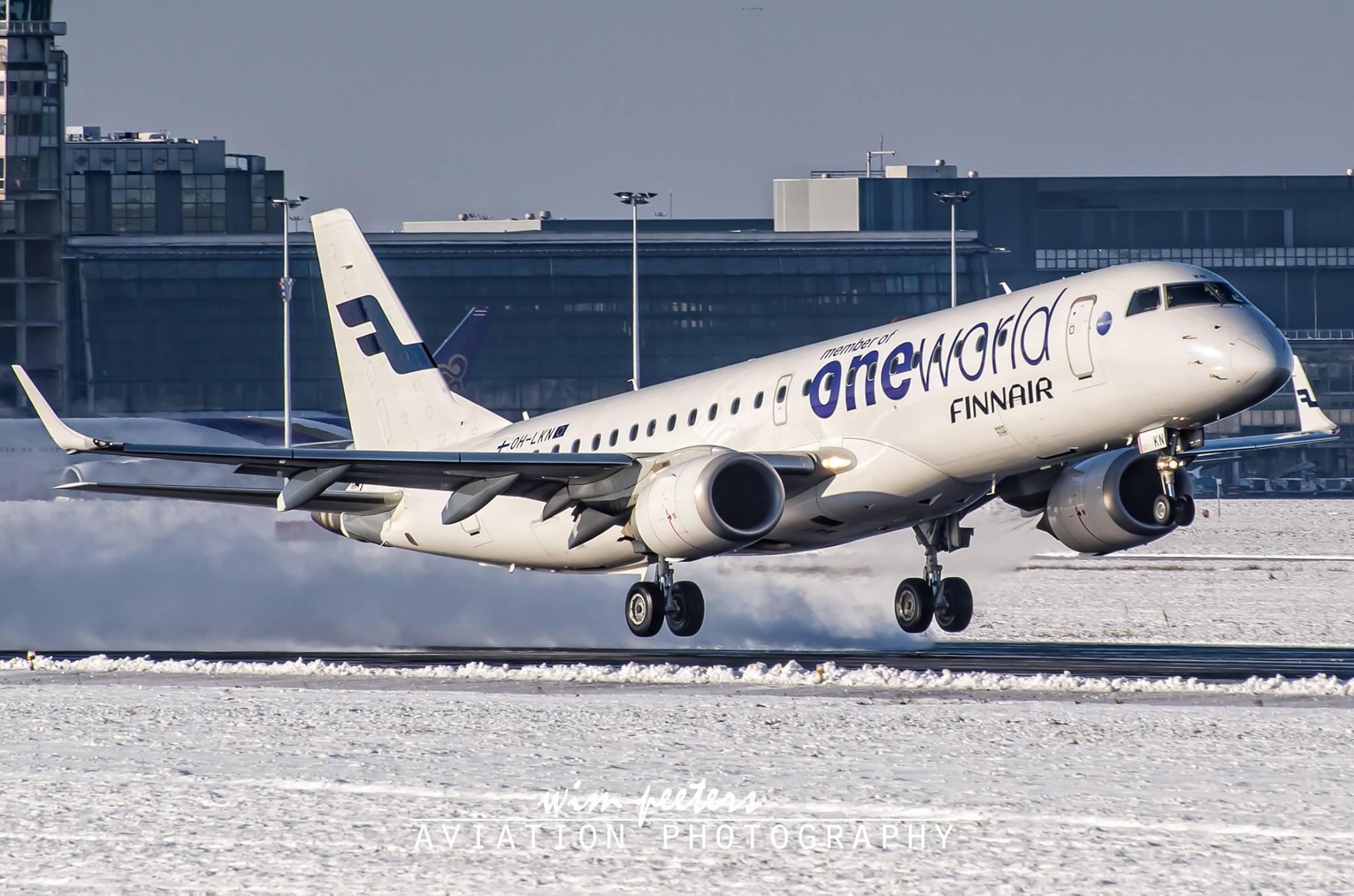 Finnair 'oneworld' Embraer 190 - copyright Wim Peeters