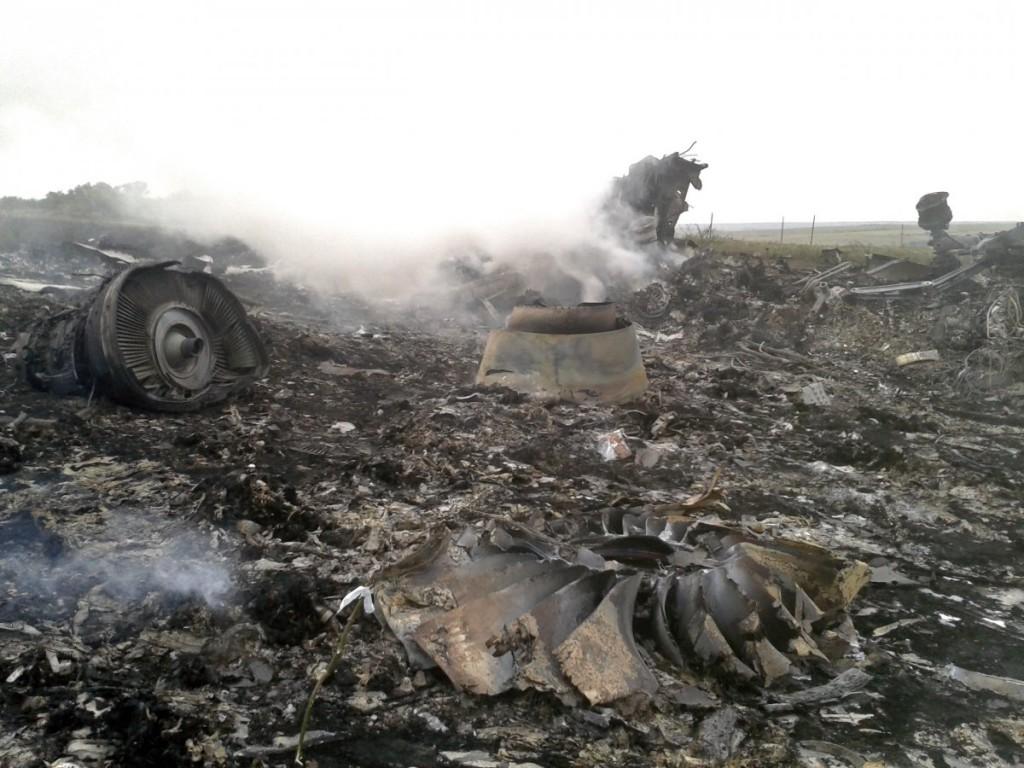 Crash of a Boeing 777-2H6ER near Moskovs'ke: 298 killed copyright B3A
