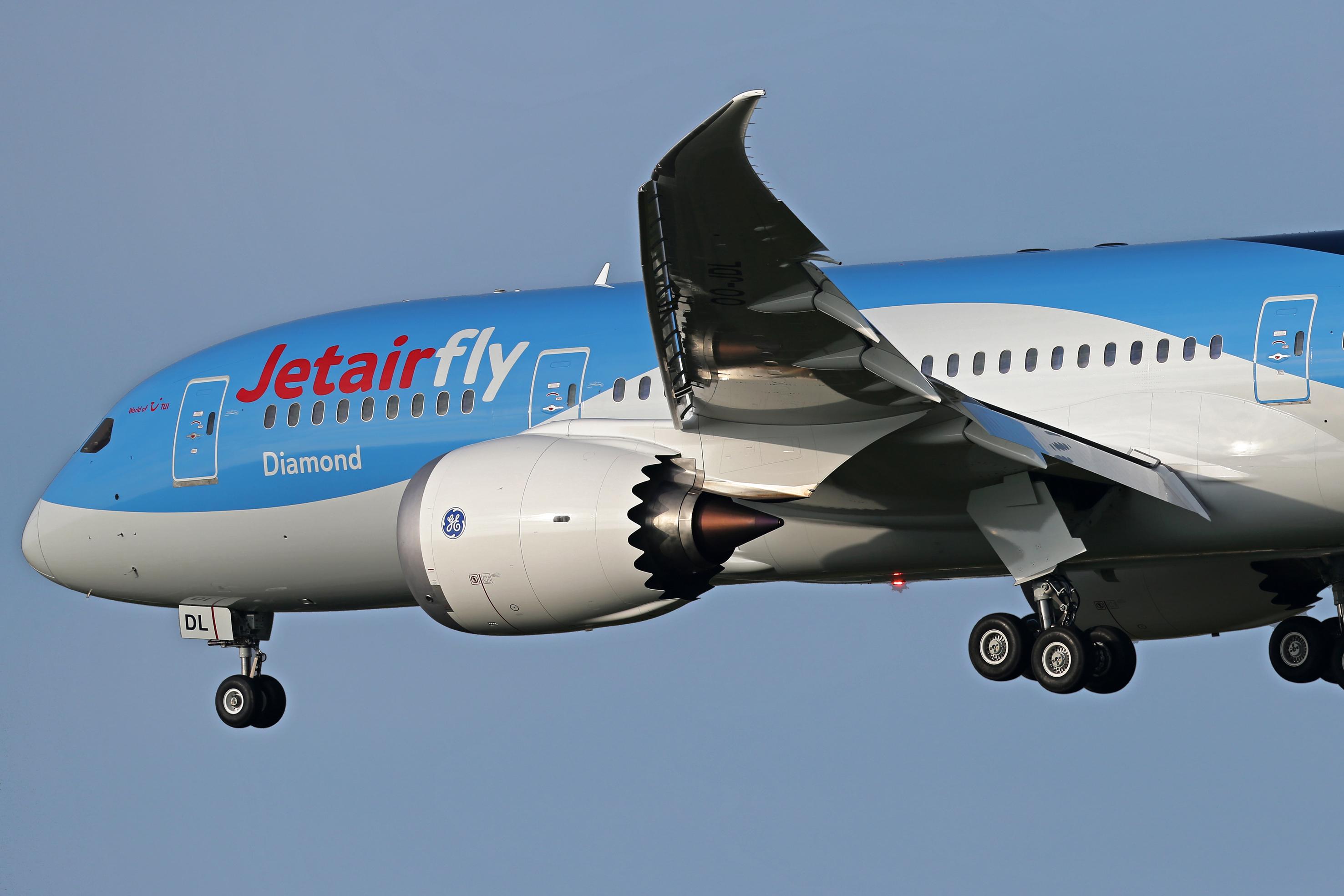 Review: Qantas Boeing 787-9 Dreamliner premium economy seat