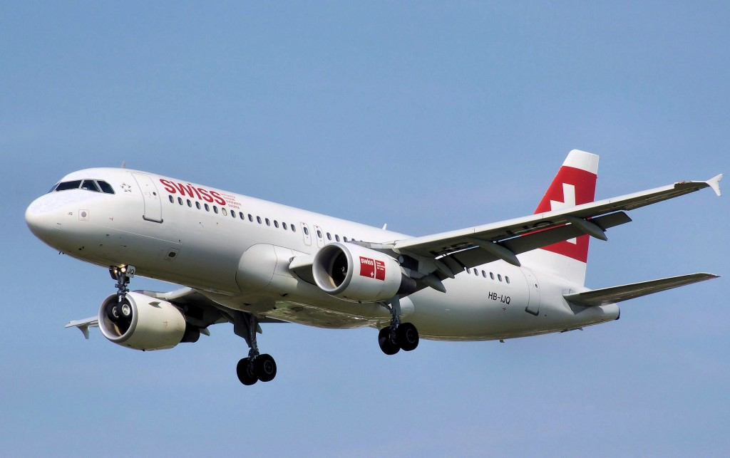 Swiss.a320-200.hb-ijq.arp
