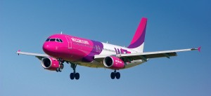Wizz Air Airbus A320 landing in Gdansk