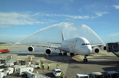 Emirates A380 in BCN