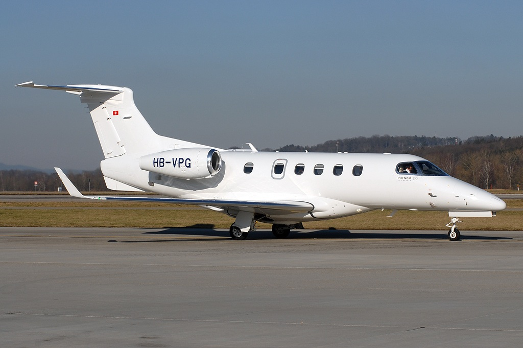 Embraer_EMB-505_Phenom_300