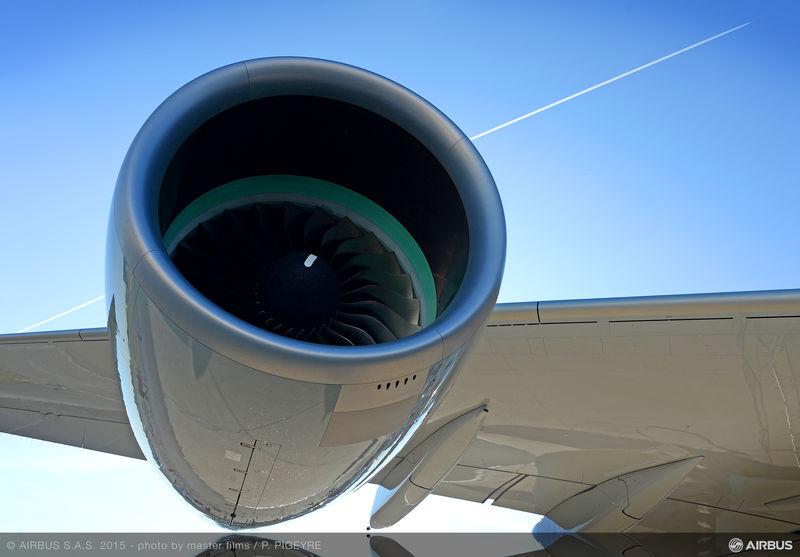 PAS_2015_-_ambience_A350_XWB_engine