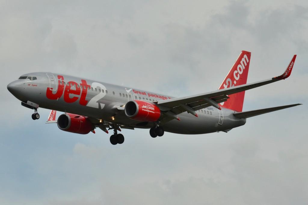 B737-800_Jet2