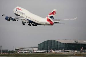 Successful emergency landing of a British Airways Boeing 747
