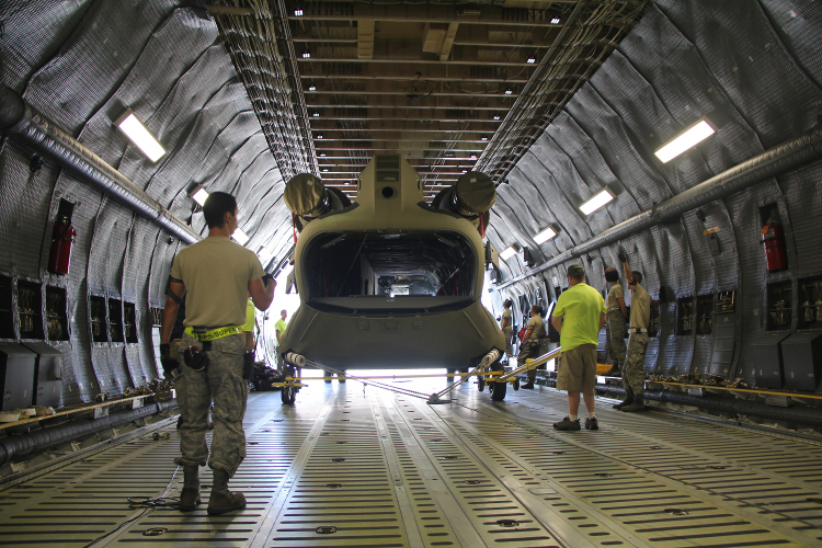 ch-147F_loading