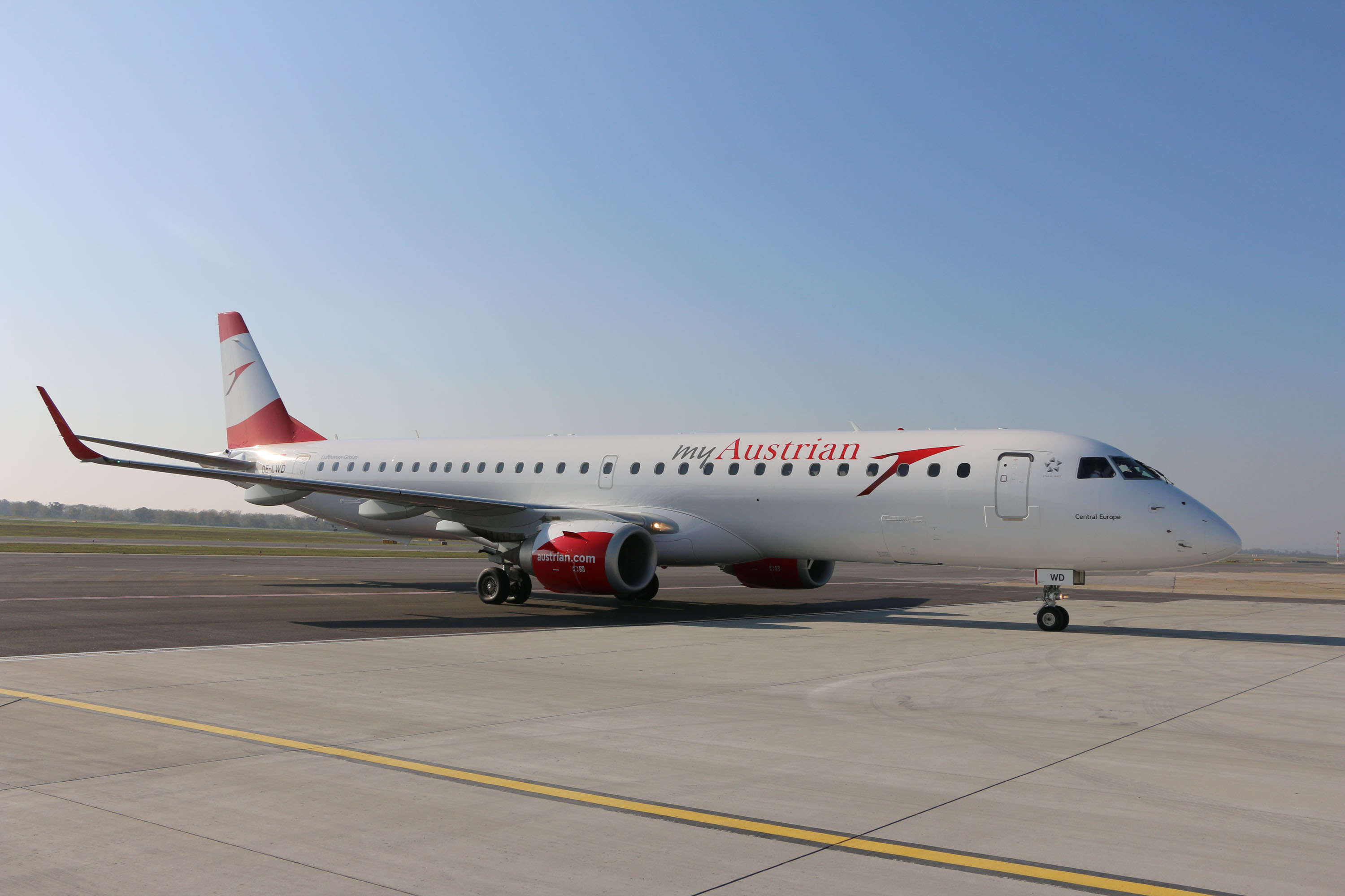 Austrian Airlines Embraer195