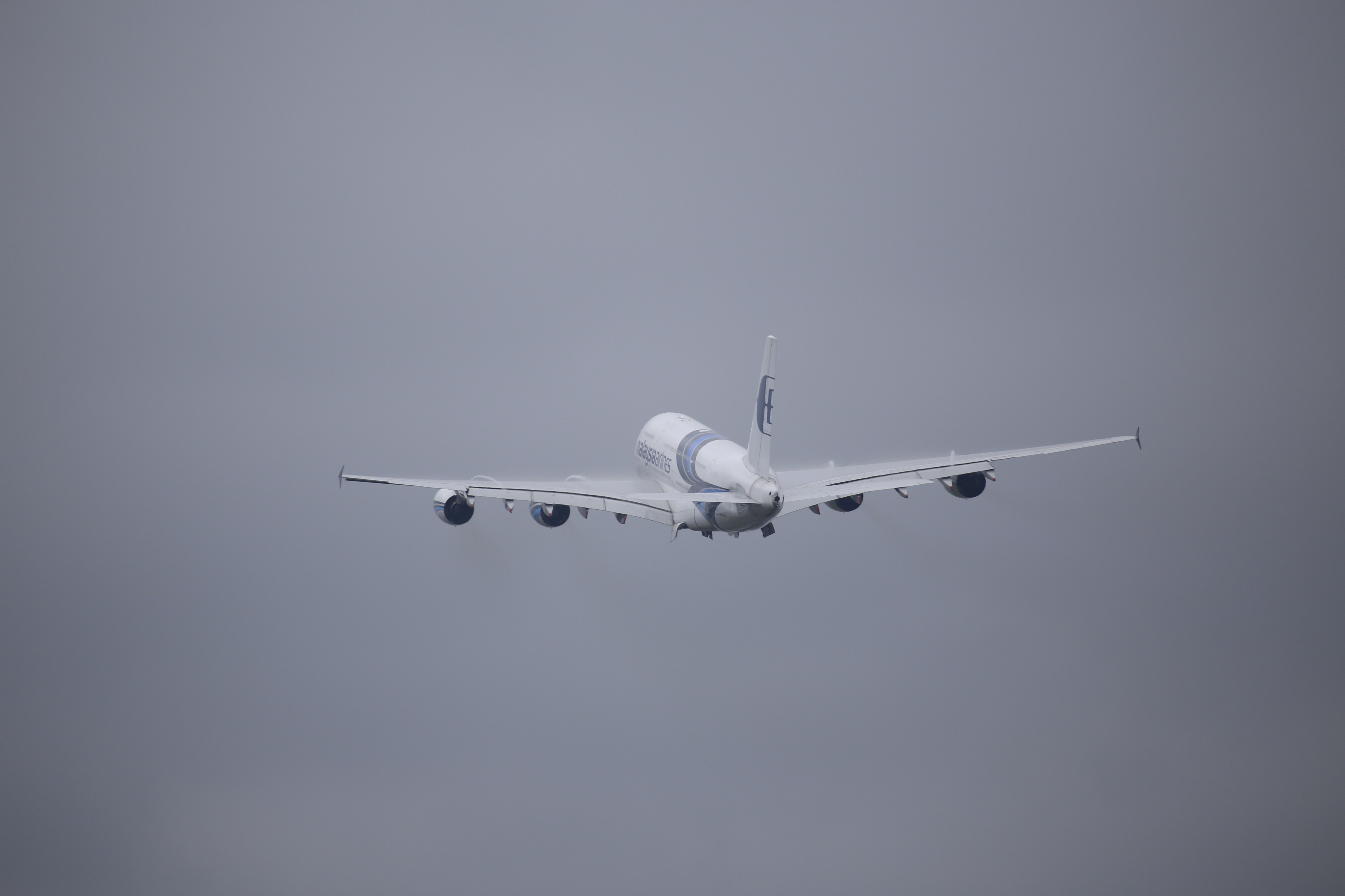 Malaysia Airlines leave A380