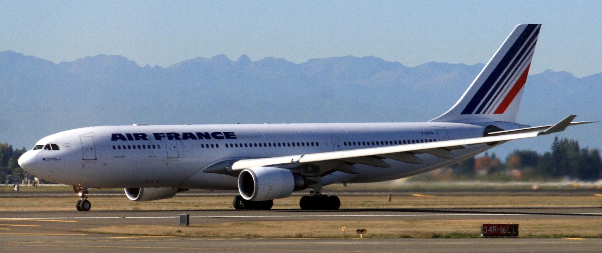 Air_France_A330-200_F-GZCN