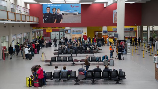 Ostend-Bruges Airport departure hall (Picture VRT)