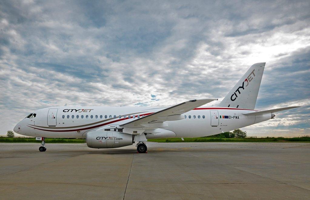2016 05 25 - CityJet Sukhoi Superjet SSJ100 01