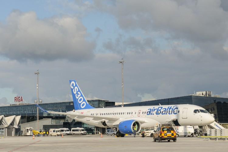 airbaltic_cs300-1