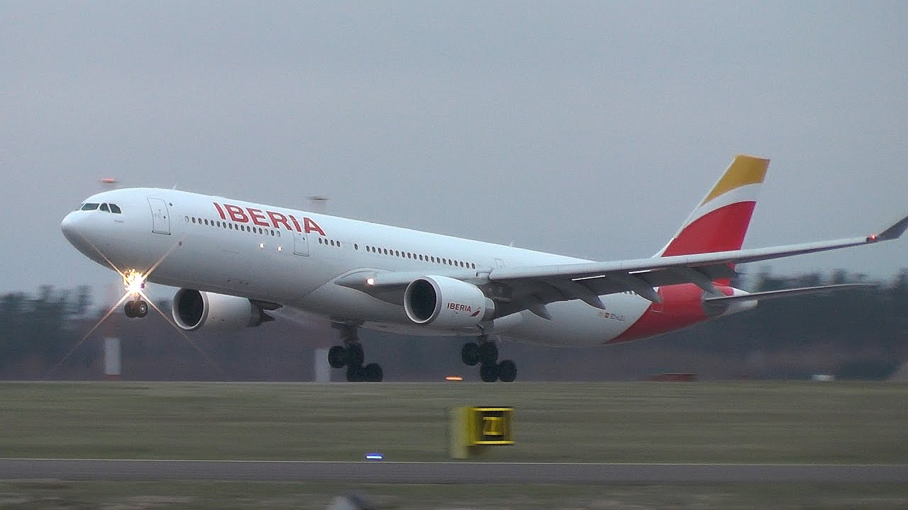 finnair extends the lease of an airbus a330 300 from iberia for its miami route aviation24 be aviation24 be