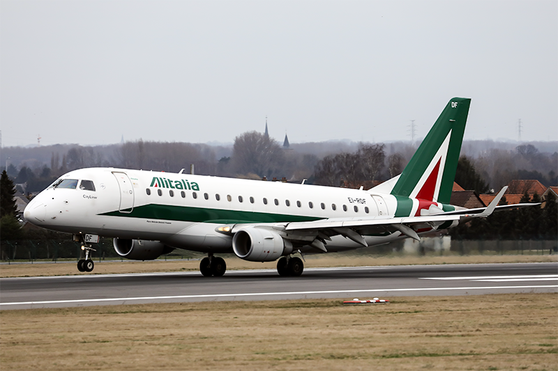 Alitalia Cityliner Embraer ERJ-175