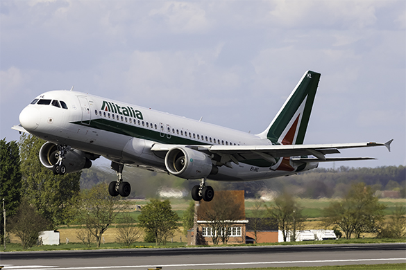 Alitalia A320 arriving at Brussels Airport