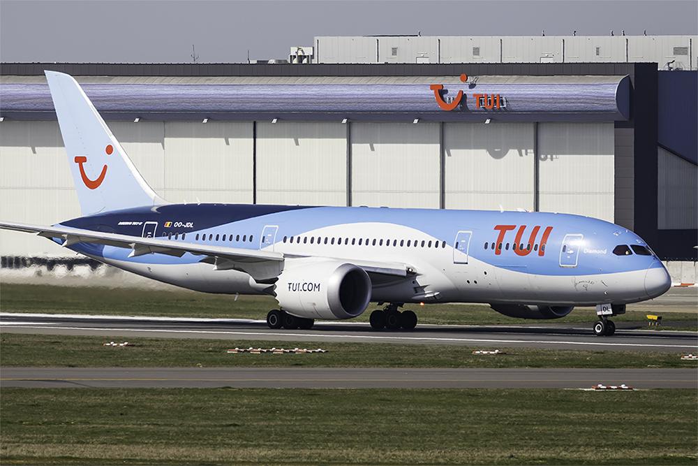 TUI Boeing 787-8 Dreamliner