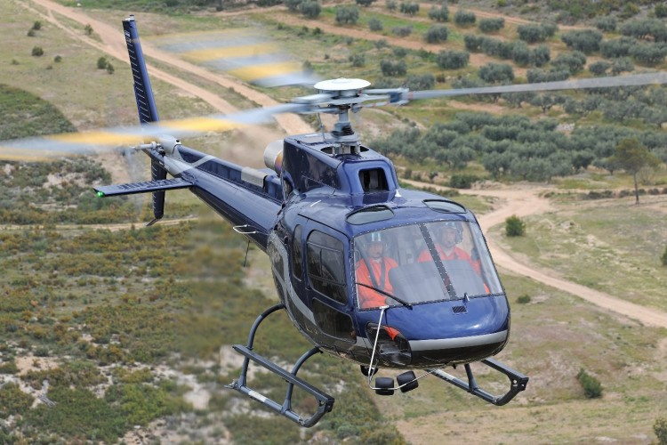 Elicottero H 125 : Japan s akagi helicopter acquires one airbus h