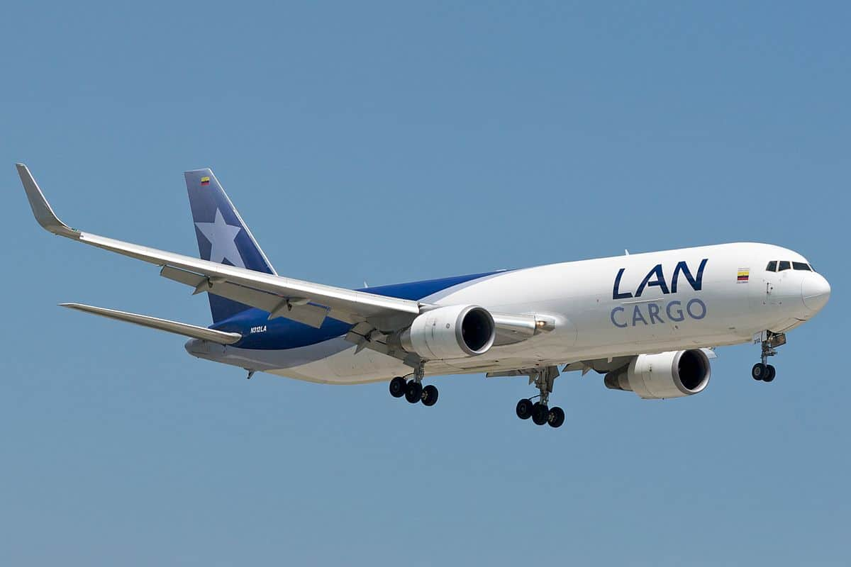 LATAM Cargo Chile moves two weekly flights away from