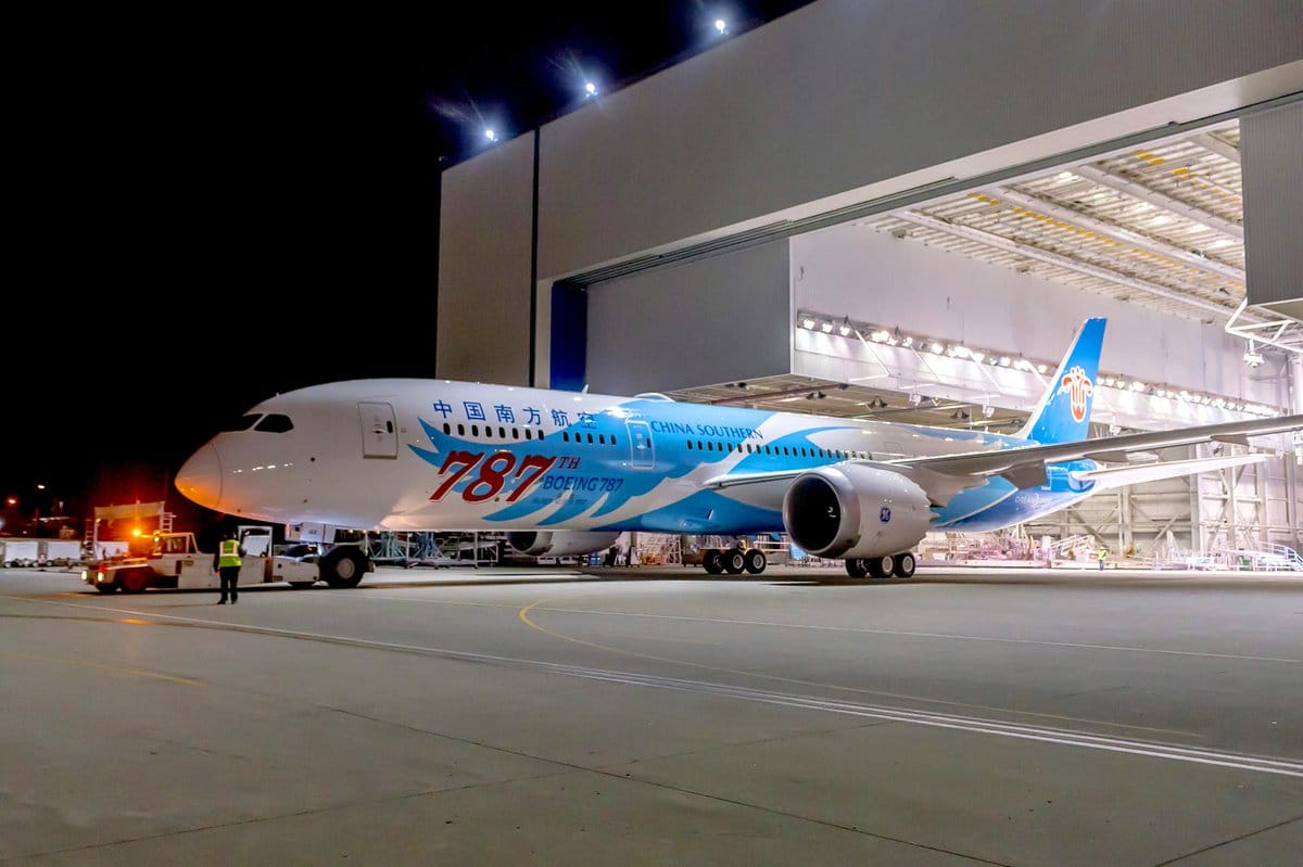 Boeing Delivers The 787th 787 Dreamliner To Lessor Aercap