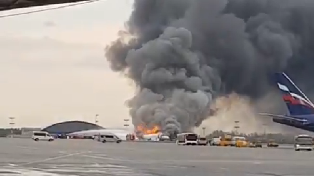 Aeroflot Sukhoi Superjet makes emergency landing at Moscow Sheremetyevo after a fire on board - Aviation24.be