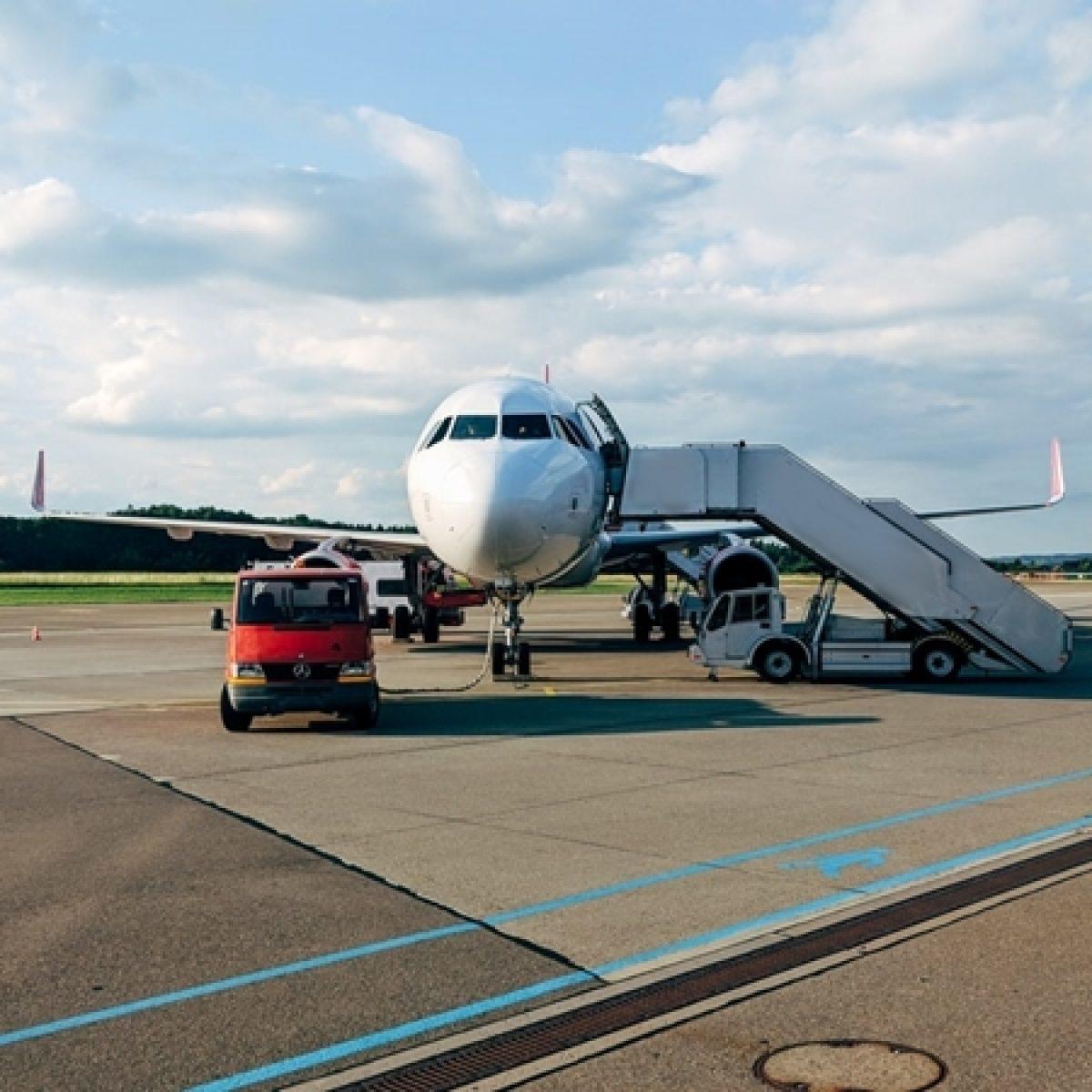 Resultado de imagen para Hi Sky Airlines moldova